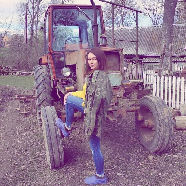 Фотоссесия у трактора