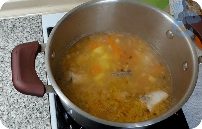 Приготовление супа из консервированной горбуши