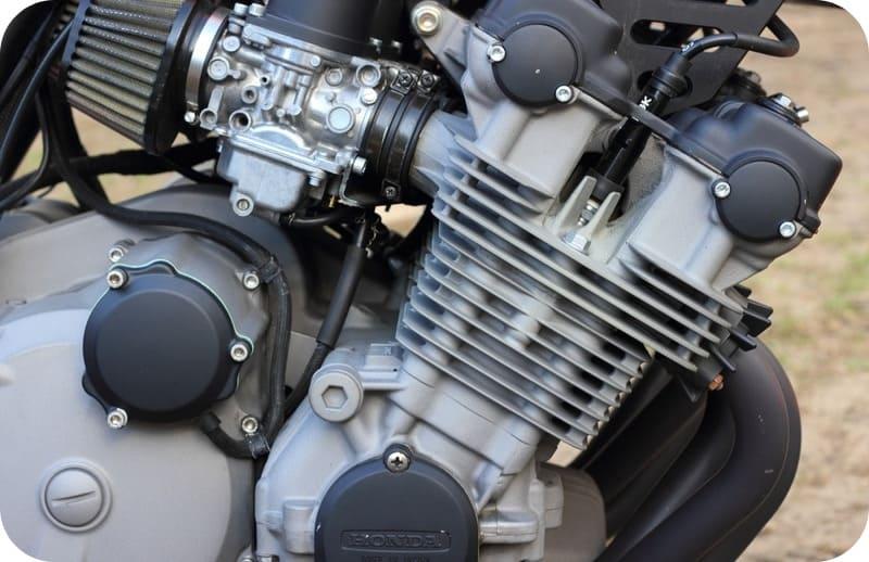 Двигатель снегоболотохода