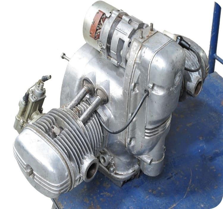 Мощный двигатель снегоболотохода