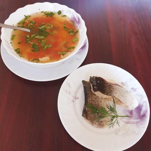Сытный суп из толстолобика