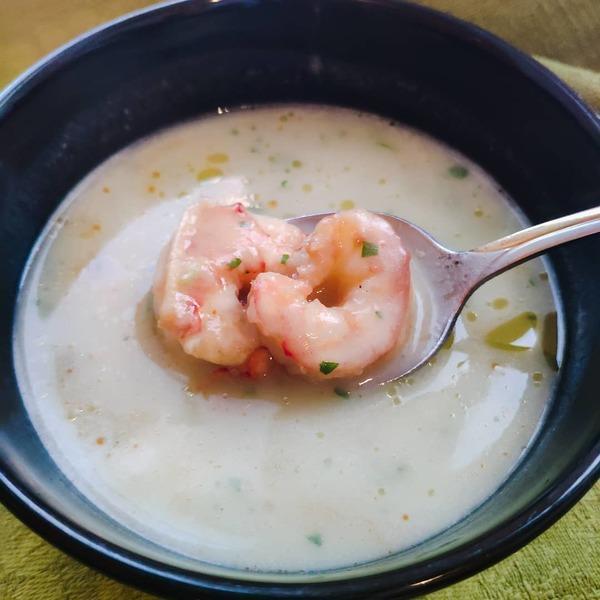 Сытный суп с креветками