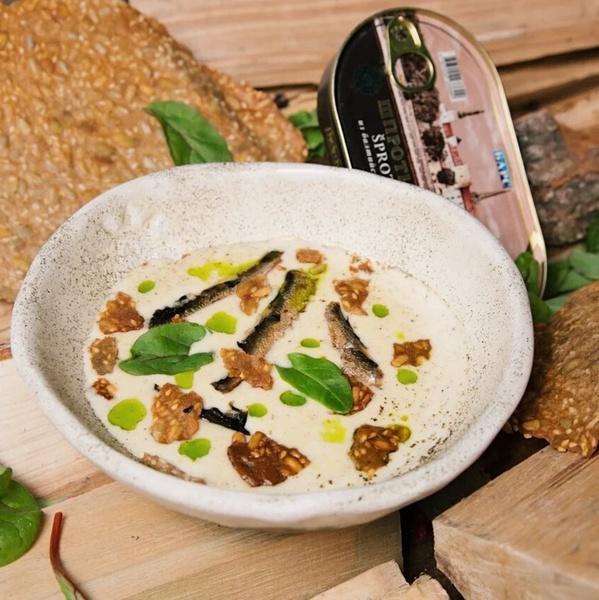 Вкусный суп со шпротами