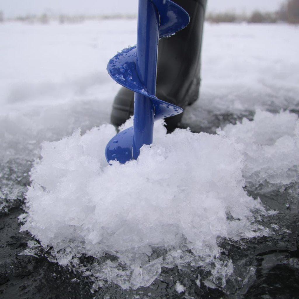 Особенности крепления для бура на снегоход