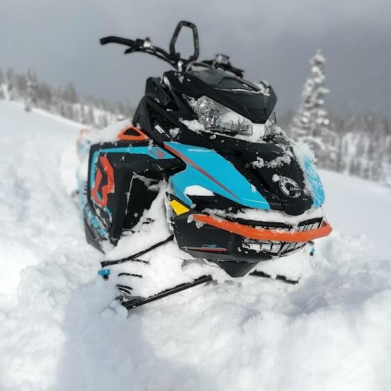 Профессиональный укрепленный бампер на снегоход BRP