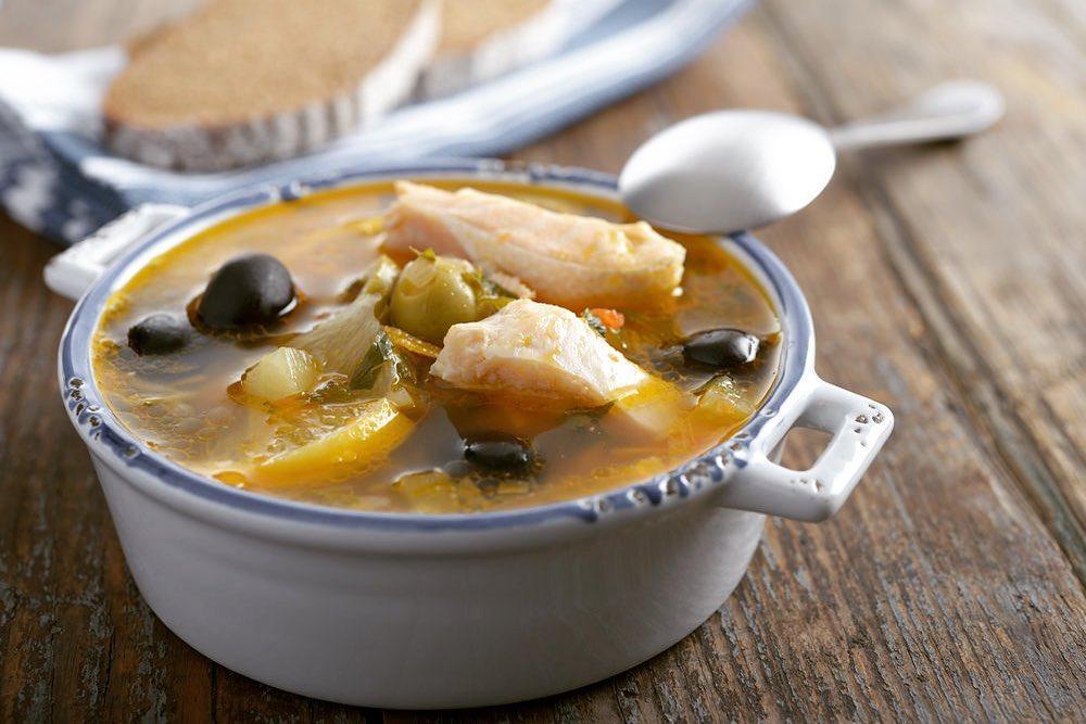 Рыбный рассольник: рецепт c солеными огурцами и рыбой    Суп с солеными огурцами и рыбой