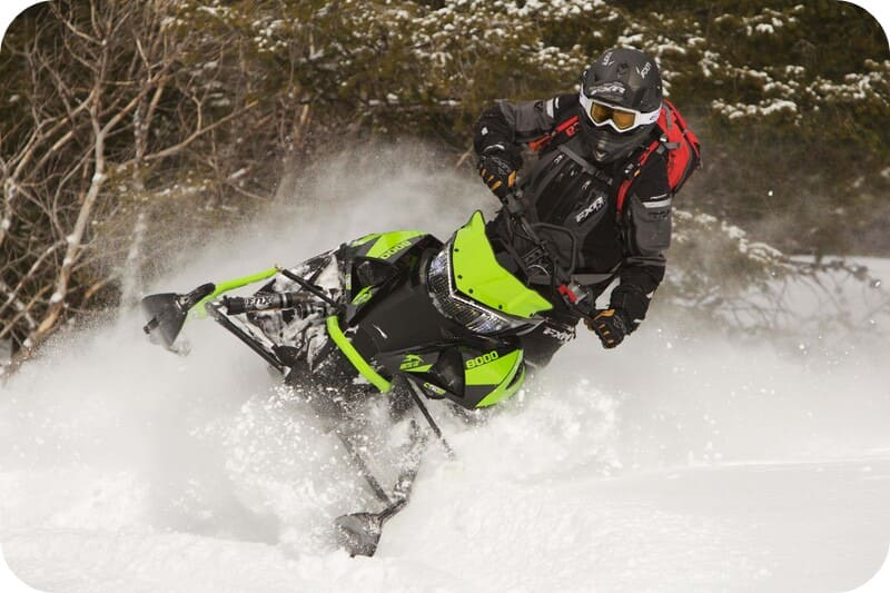 Горные снегоходы M 8000
