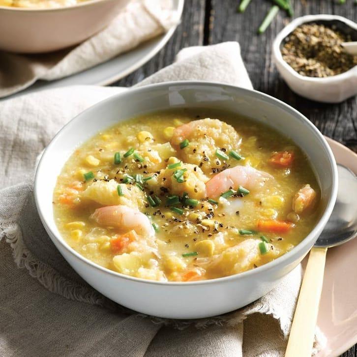 суп чаудер с морепродуктами