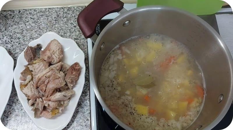 Ароматный суп из карпа