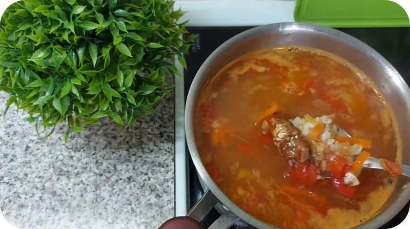 Суп из кильки по-домашнему
