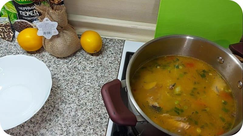 Рыбный суп из головы и хвоста форели