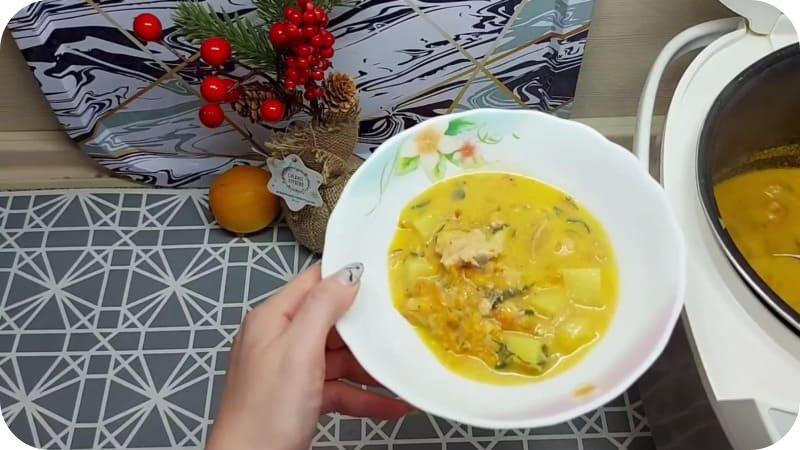 Готовый суп из горбуши в мультиварке