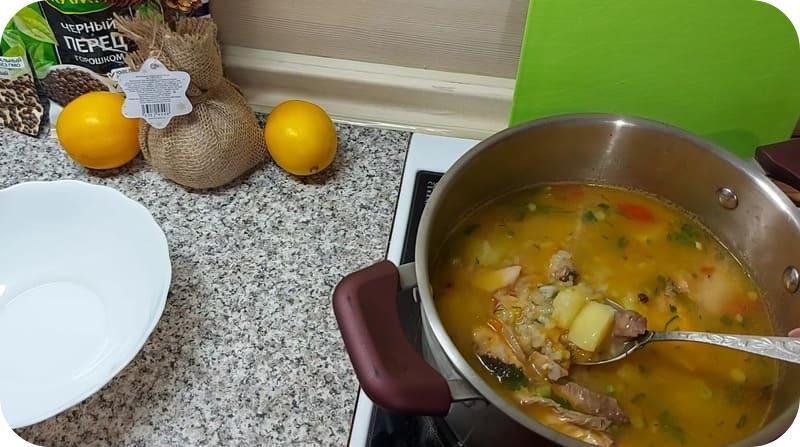 Ароматный суп из горбуши