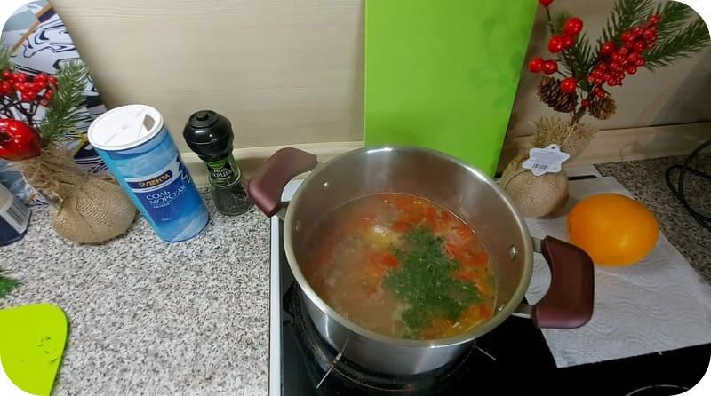Приготовление супа из сардин