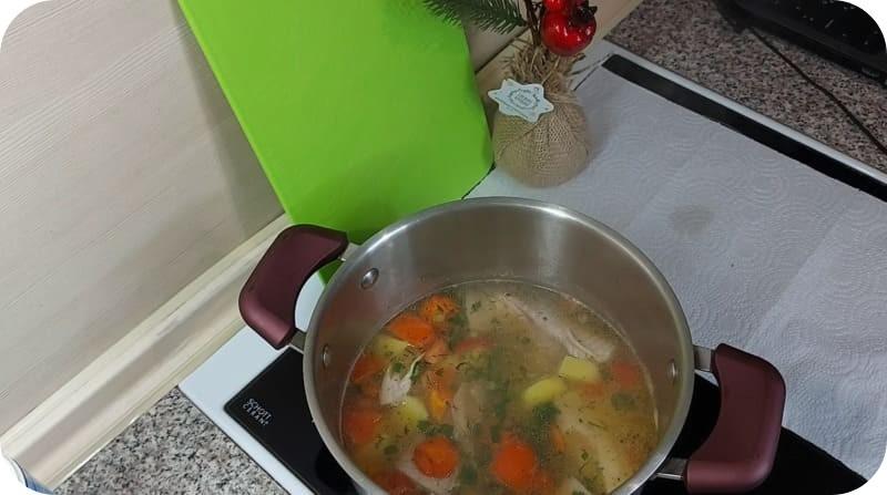 Ароматная уха из супа