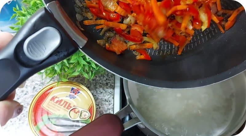 Сколько варить бульон из кильки