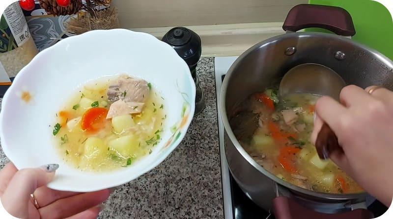 Наваристый суп из горбуши