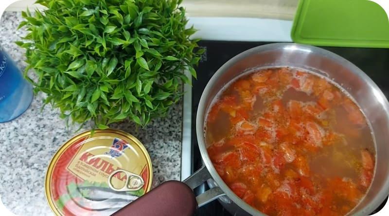 Вкусный суп из кильки