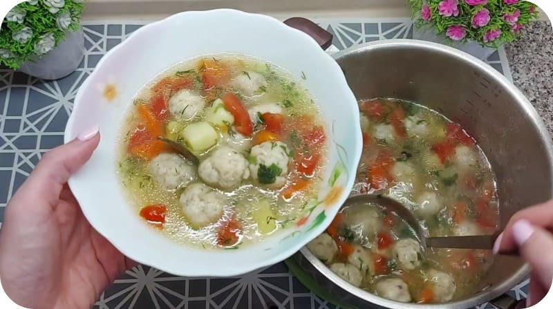 Ароматный суп из фрикаделек